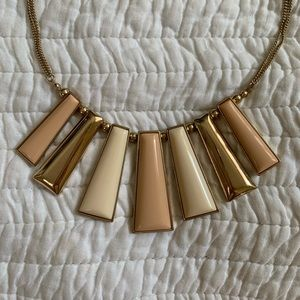 Jewelry - Cream Gold Statement Necklace